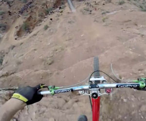 Salto in bici sul Grand Canyon