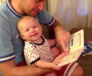 Scopre i libri per la prima volta