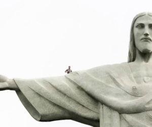 Selfie dentro la statua di Cristo