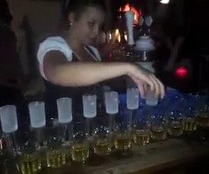 Servire molti drink in modo epico