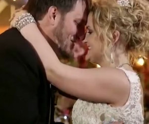 Uno sposo paralizzato decide di fare una sorpresa alla sua donna