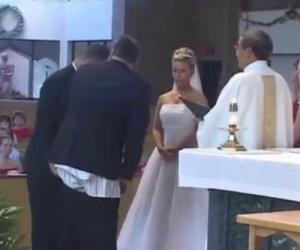 Testimone di nozze resta in mutande