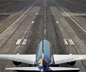 Un aereo sta per decollare ma ciò che farà lascerà tutti senza parole