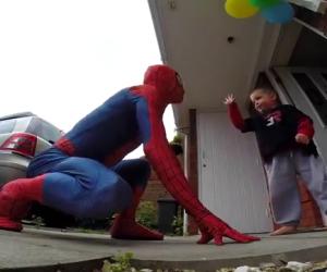 Un regalo al figlio malato di cancro