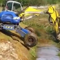 Uno scavatore attraversa il fiume