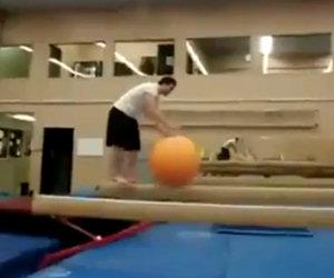 In equilibrio sulla palla fail