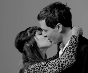 20 sconosciuti si baciano