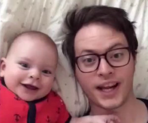 La mamma lascia il bimbo e il papà soli a casa, ecco che combinano