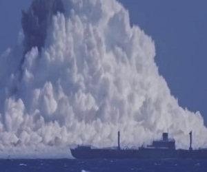 Bomba atomica esplode sott'acqua