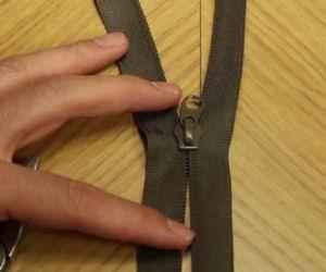 Ecco come riparare una chiusura lampo rotta in modo veloce