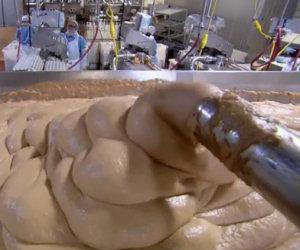Lo sconvolgente video che mostra come è fatto un wurstel