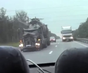 Epico camion Mad Max in Russia