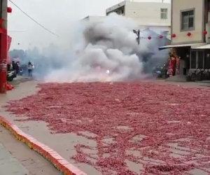 L'esplosione di un milione di petardi