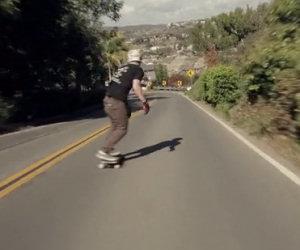 Folle skater per le strade