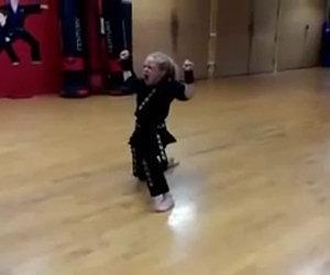 Ha 9 anni ma è una vera guerriera
