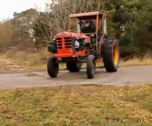Il trattore con il motore elaborato
