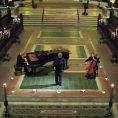 Un grande tenore canta una fantastica versione di Silent Night