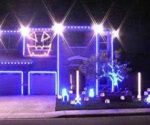 Ecco come l'illuminazione per Halloween riesce a prendere vita