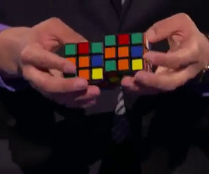 Ecco ciò che questo mago è in grado di fare con un cubo di Rubik