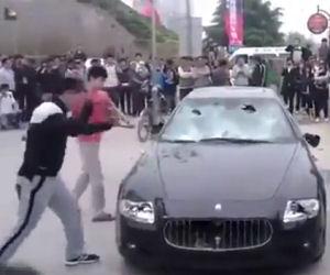 Maserati distrutta a colpi di mazza