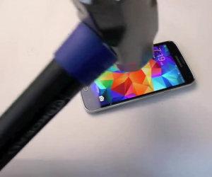 Smartphone si vendica della distruzione