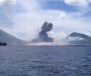 Vulcano esplode in diretta
