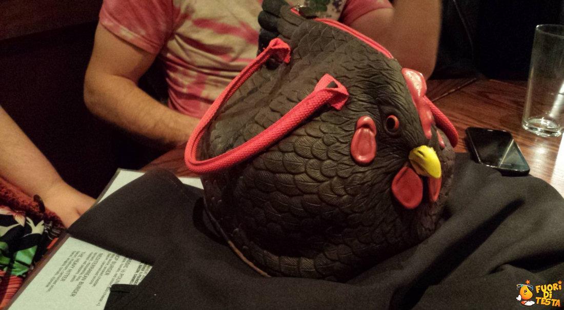 La simpatica borsa gallina