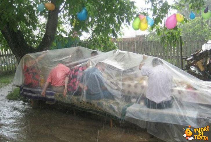 Salvare una festa dalla pioggia