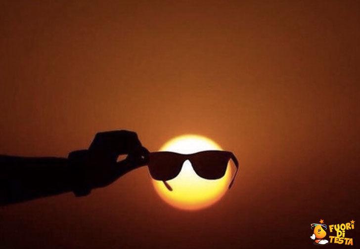 Occhiali da sole al sole