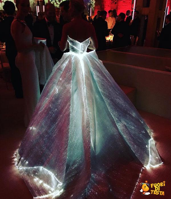 Abito da sposa fosforescente