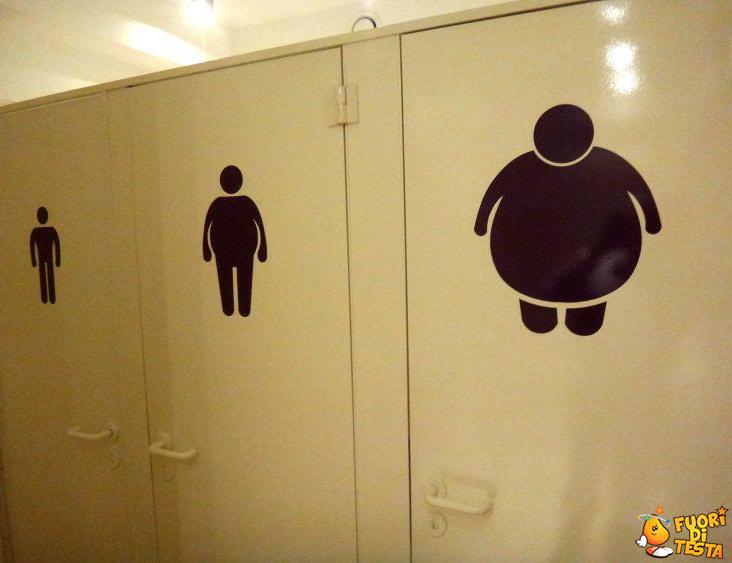 Bagno per persone grasse immagini divertenti - Cartello bagno donne ...