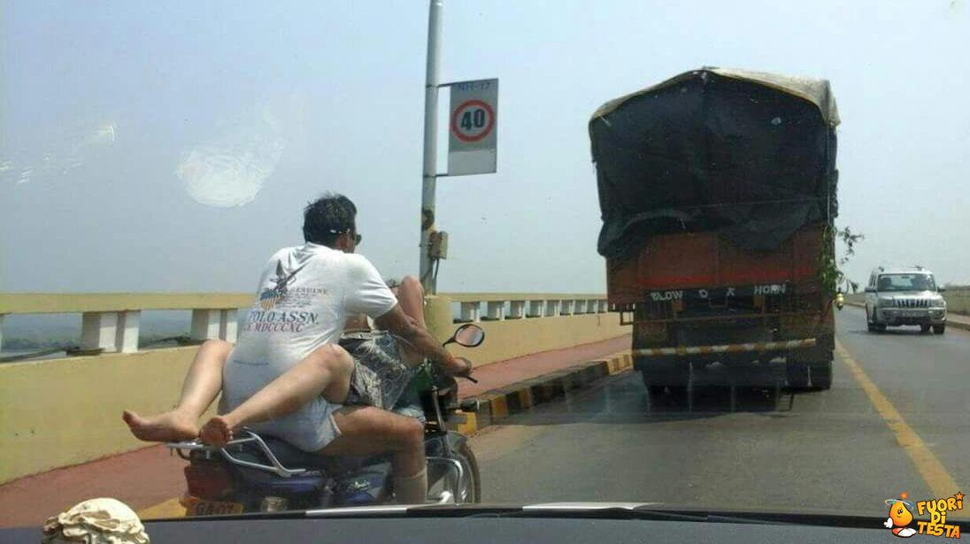 Comodo viaggio in moto