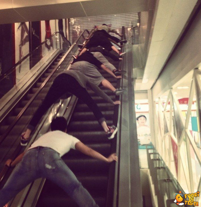 Divertimento sulle scale mobili
