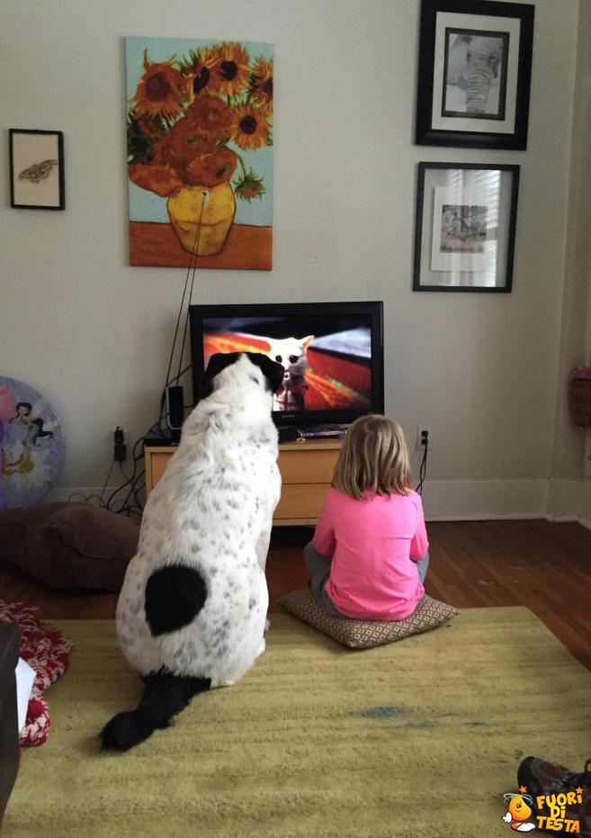 Due grandi amici davanti la tv