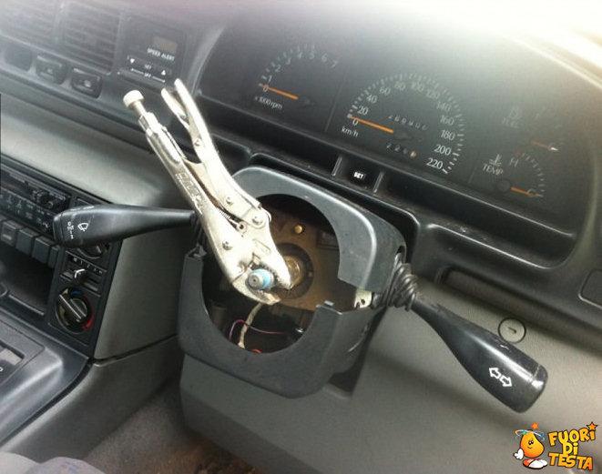 Ecco come guidare senza sterzo