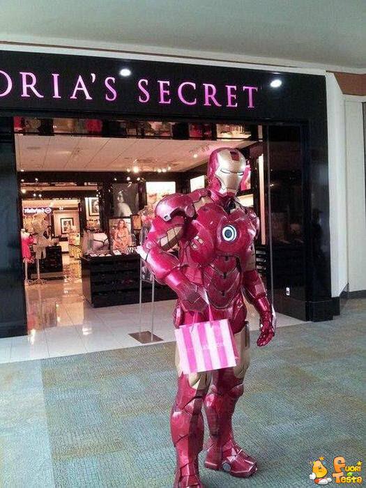 Iron Man fa shopping