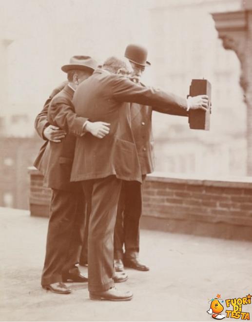 Selfie 100 anni fa