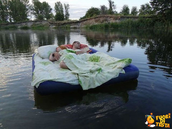 Un letto sull'acqua