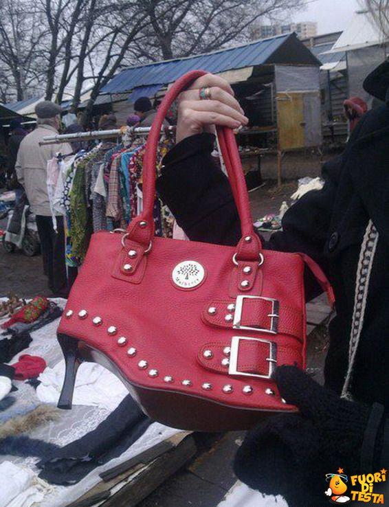 Una borsa coi tacchi