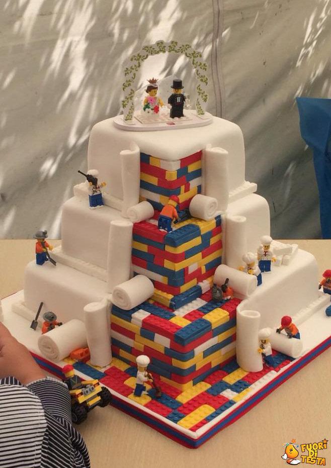 Una torta fatta coi lego