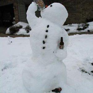 Anche lui beve per riscaldarsi