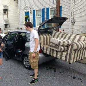 Ecco come trasportare un divano