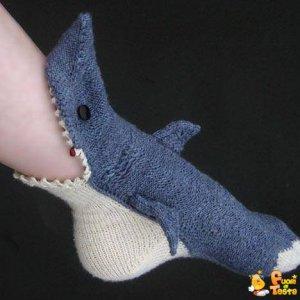 Ecco le calze a forma di squalo