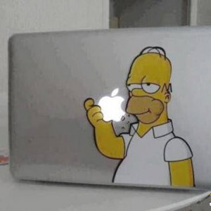 Homer mangia la... Apple