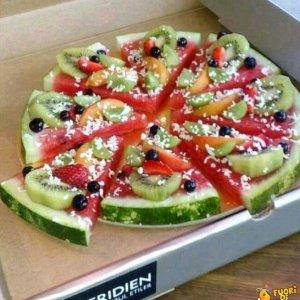La pizza di frutta