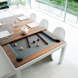 Un tavolo con molti usi