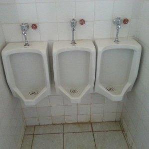 Una toilette molto compressa