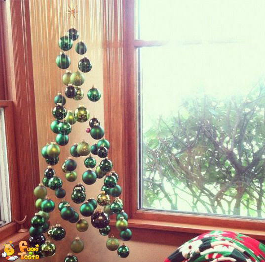 Albero di Natale invisibile