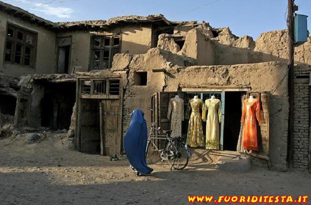 Shopping a Kabul