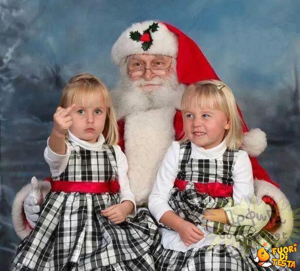 Sorridete, siete con Babbo Natale!
